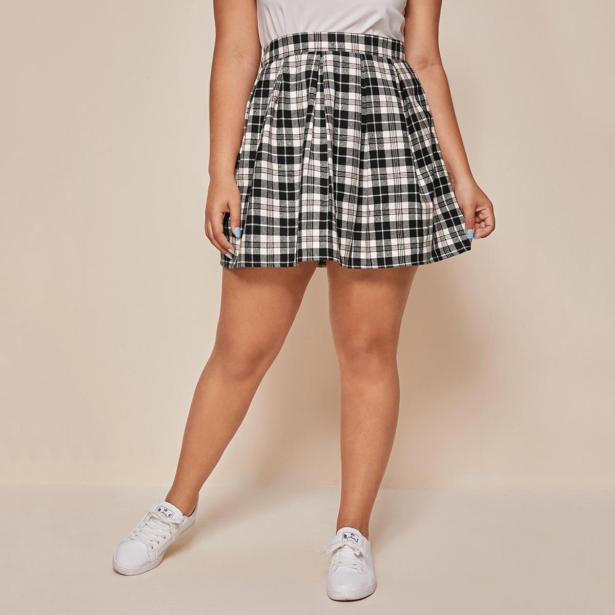 SHEIN / Plus Tartan High Rise Skirt