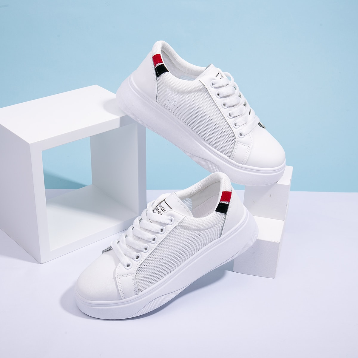 Дышащие туфли на шнурках фото