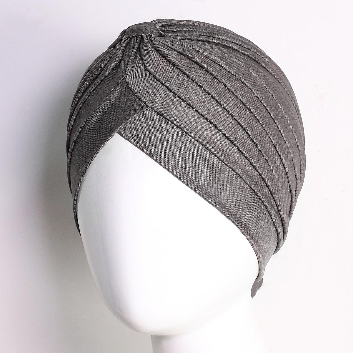Однотонная шапка-тюрбан фото