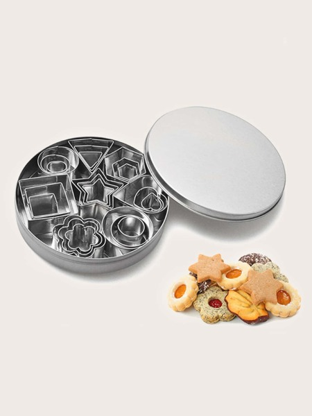 24pcs Stainless Steel Biscuit Mold