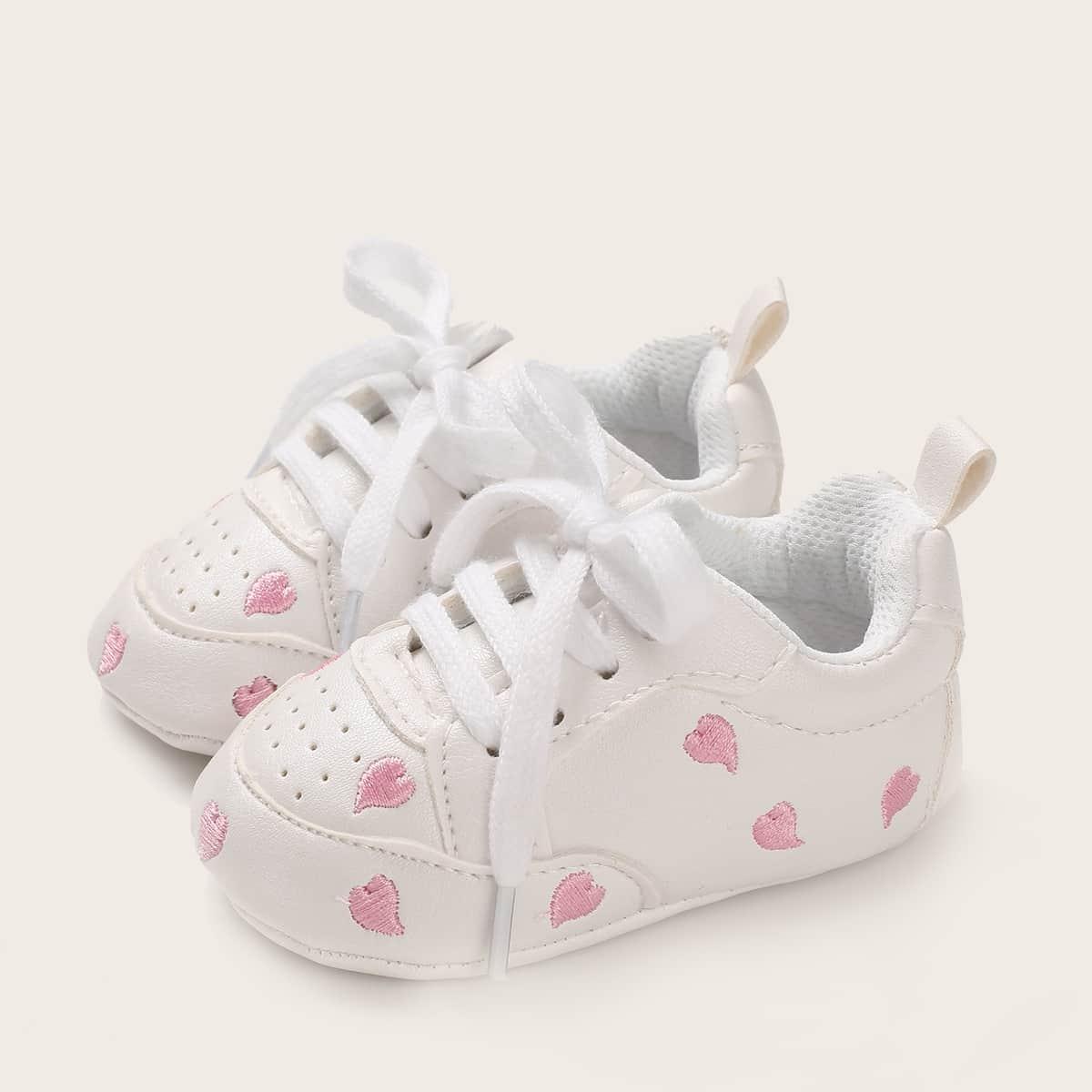 Кроссовки на шнуровках с вышивкой для мальчиков от SHEIN
