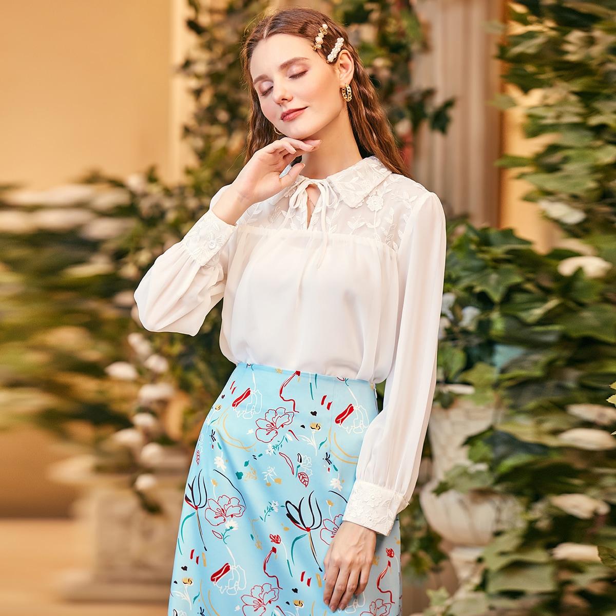 SHEIN / Bluse mit Stickereien, Netzeinsatz und Halsband