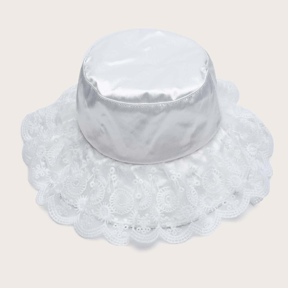 Шляпа с кружевной отделкой фото