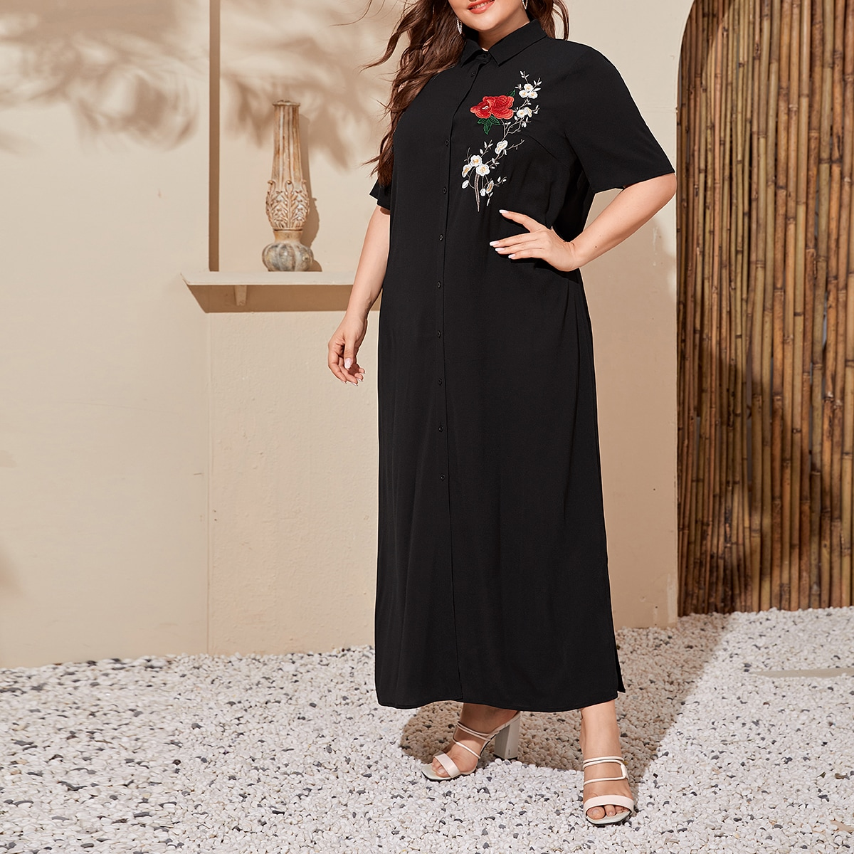 SHEIN / Maxi T-Shirt Kleid mit Blumen Stickereien
