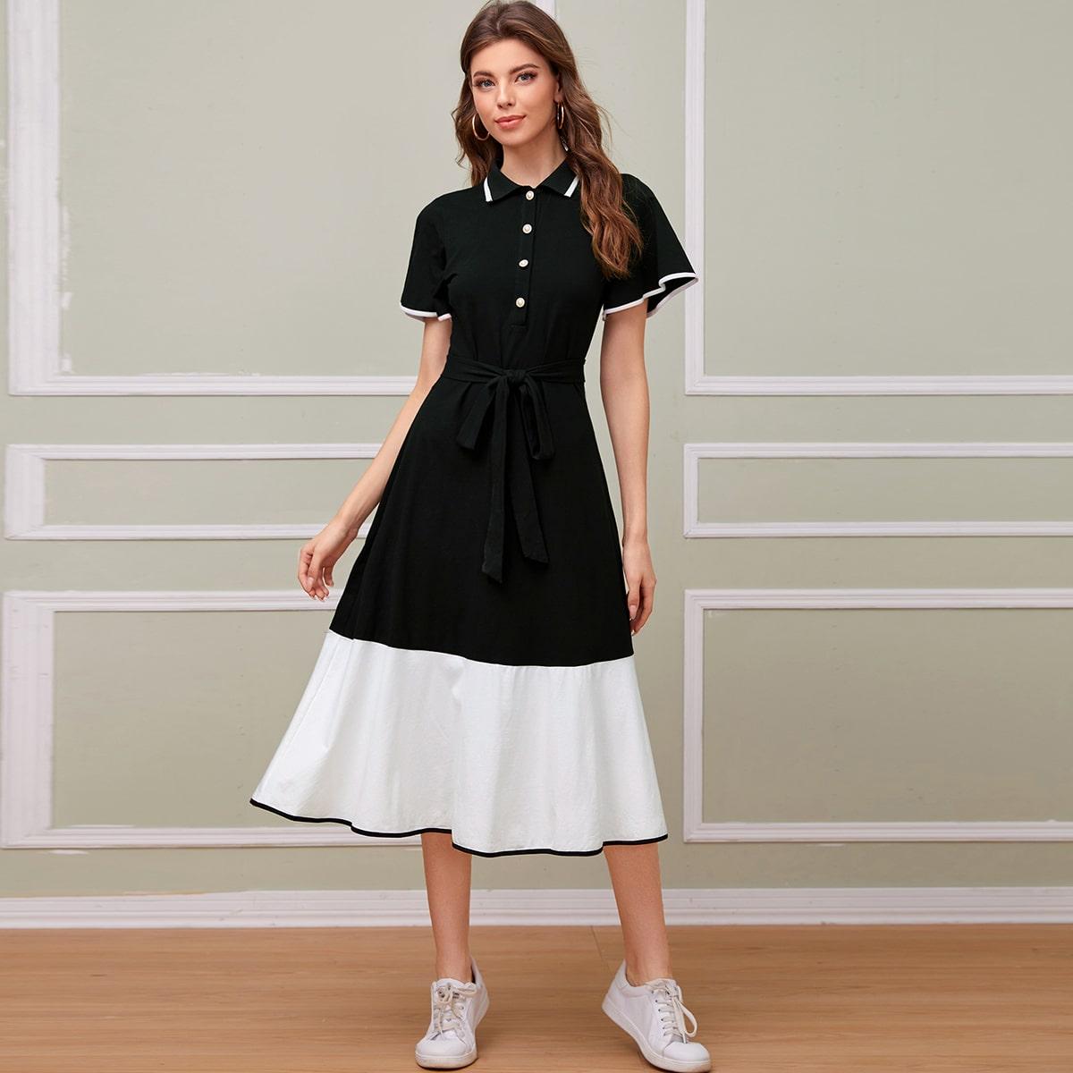 Платье с поясом, оборкой и пуговицами фото