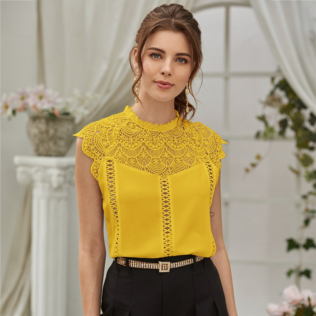SHEIN / Blusas Encaje en contraste Liso Amarillo Elegante