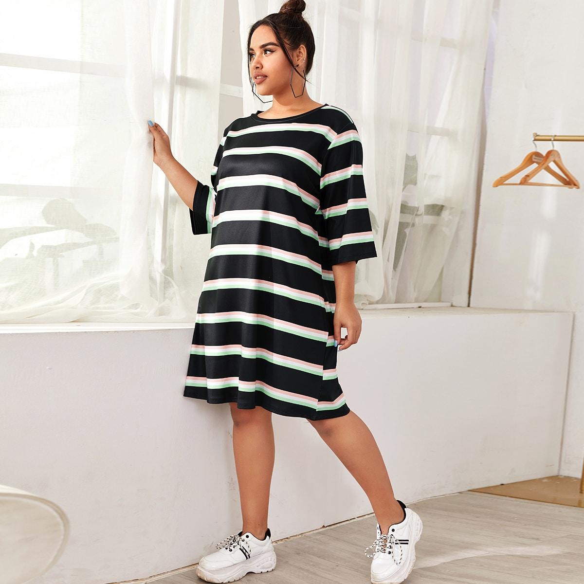 Платье-футболка в полоску размера плюс фото