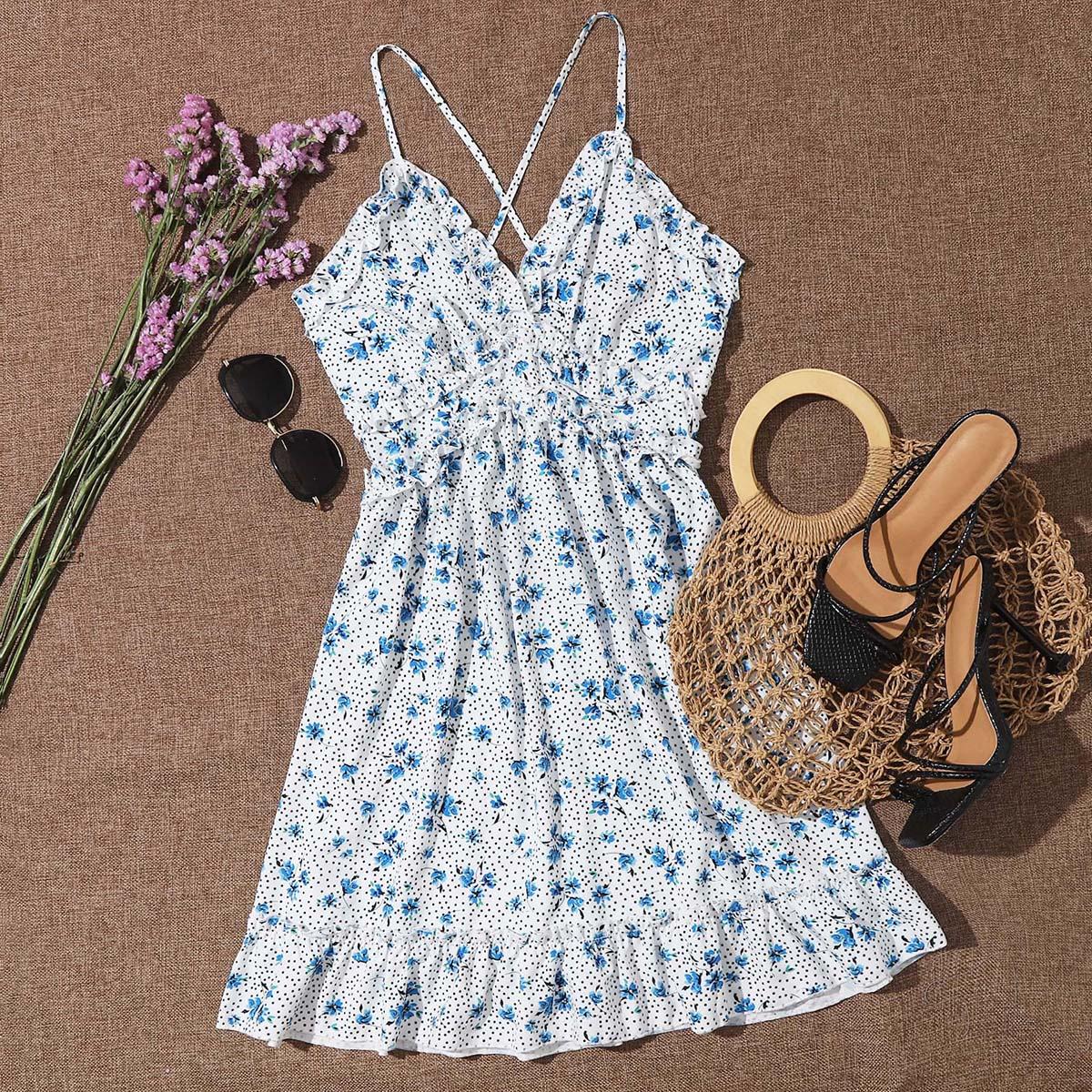 Платье в горошек с цветочным принтом и оборкой фото