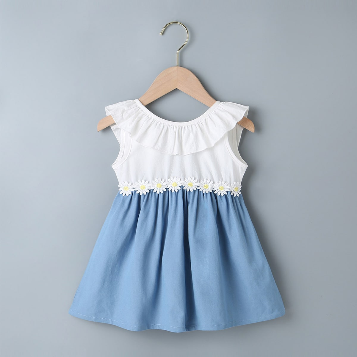 Синий и Белый с аппликацией Цветочный принт Повседневный Платья для малышей от SHEIN