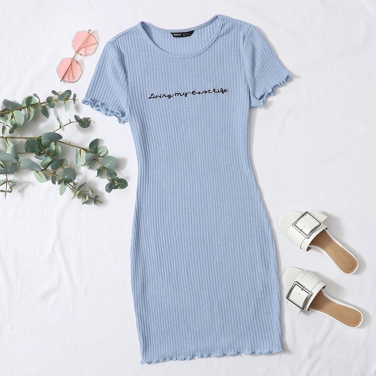 Трикотажное платье с вышивкой фото