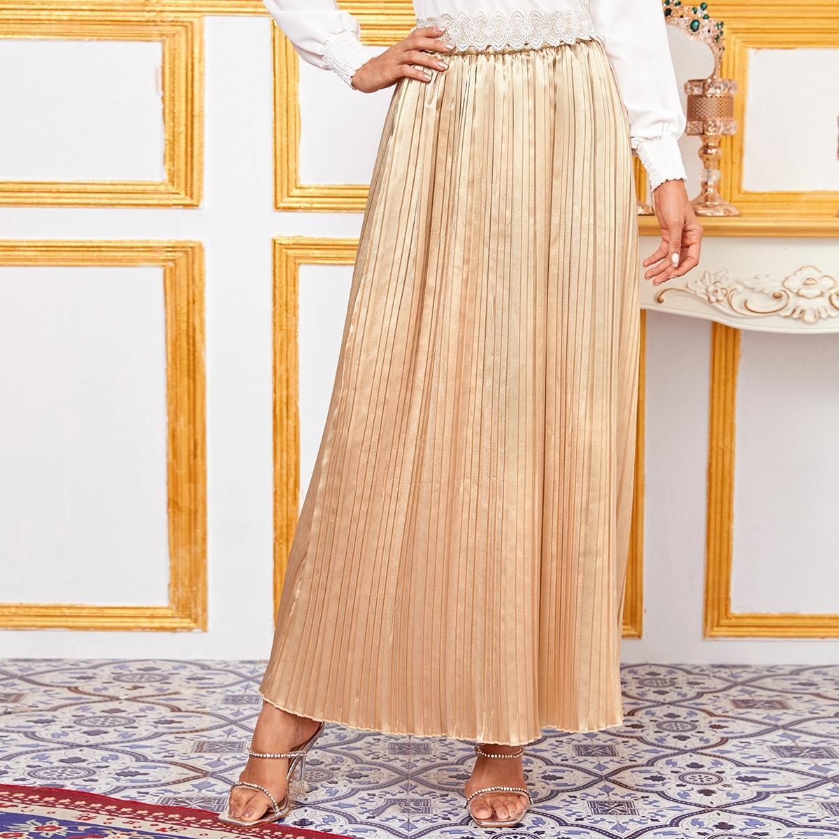 Атласная плиссированная юбка макси с поясом фото
