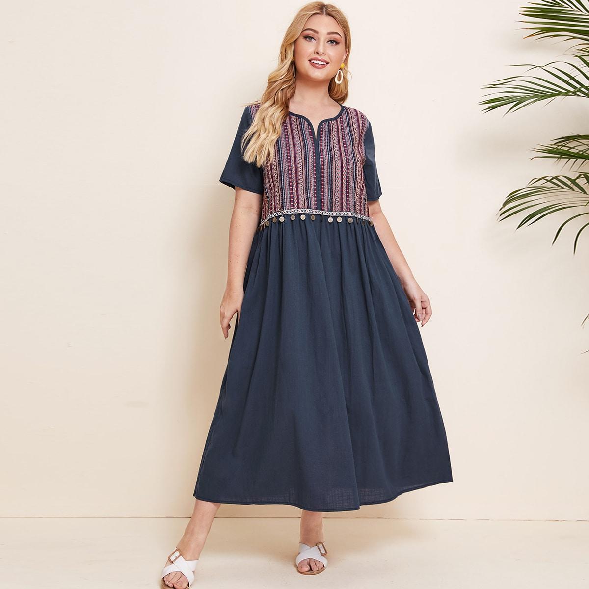 Платье размера плюс с оригинальным принтом фото