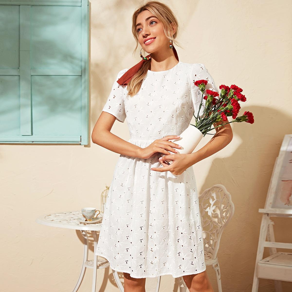 Платье с разрезом сзади фото