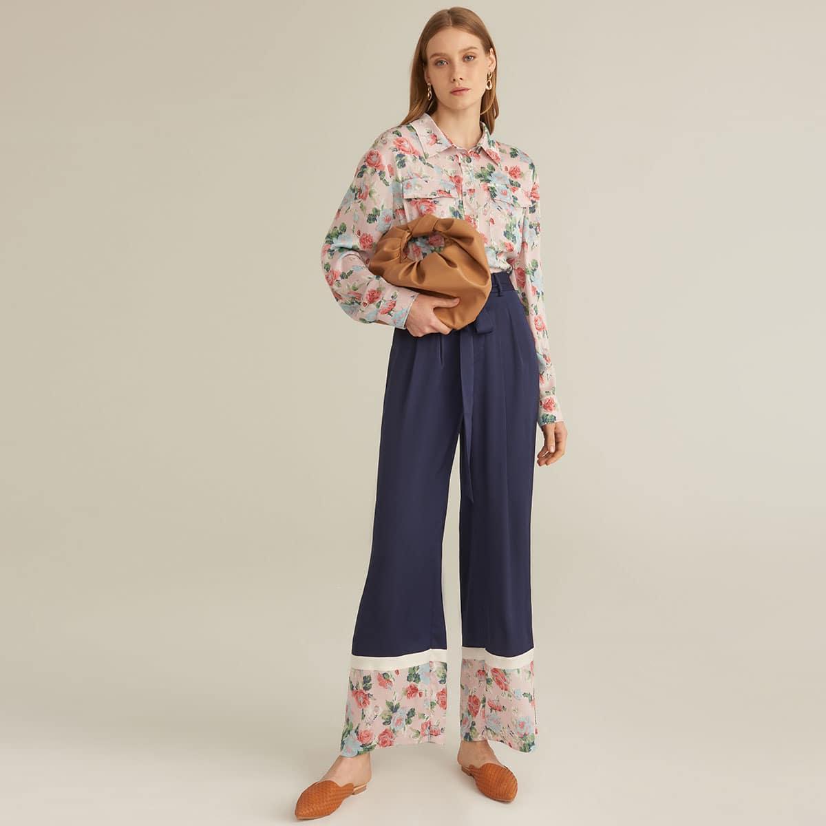 Premium Bluse mit überallem Blumen Muster und Taschen Klappe & Palazzo Hose mit Kontrast Einsatz und Gürtel Set