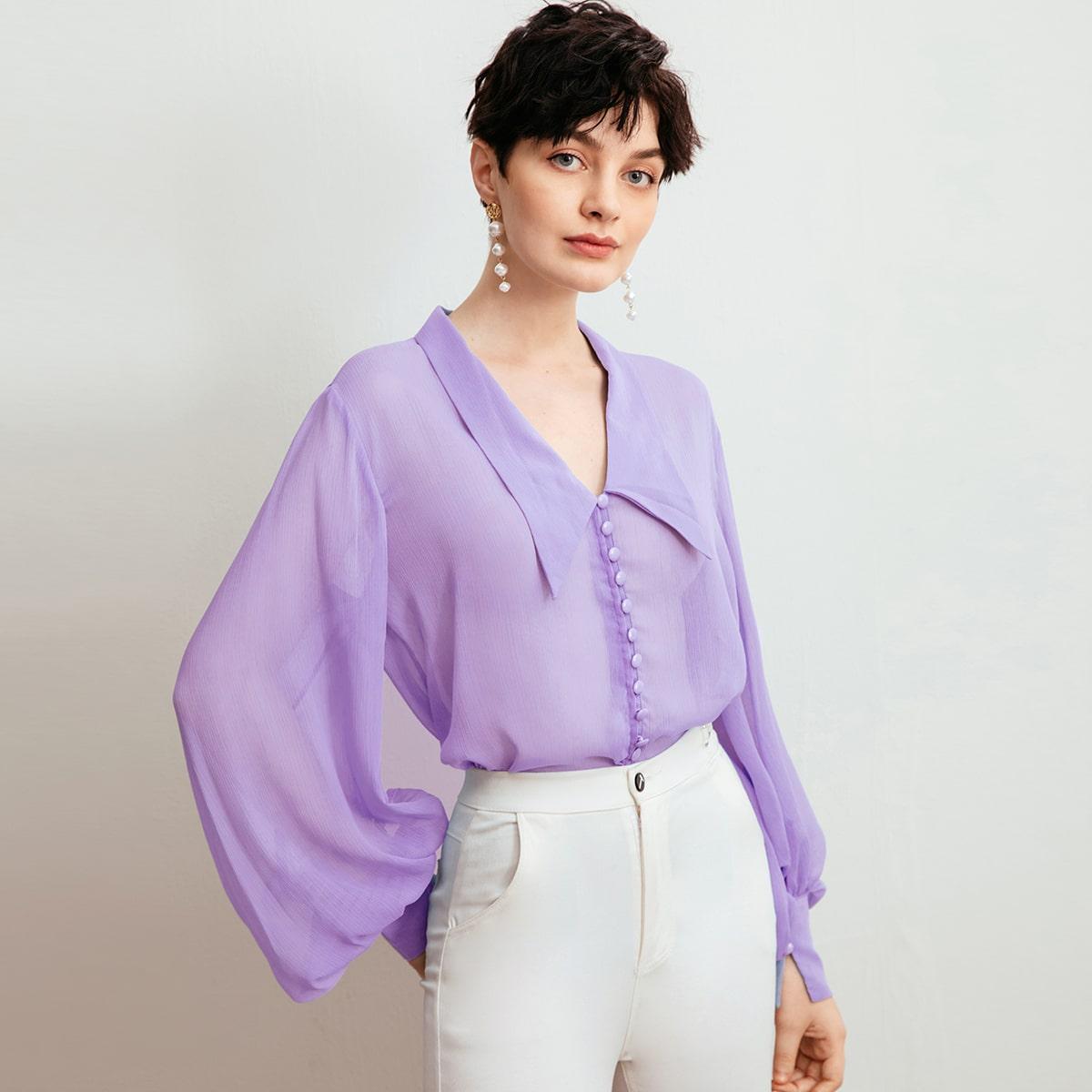 Полупрозрачная блуза с оригинальным рукавом и пуговицами фото