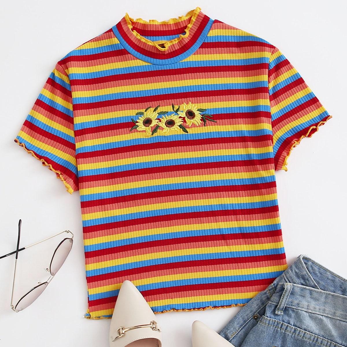 Трикотажная футболка с оригинальной отделкой и вышивкой фото