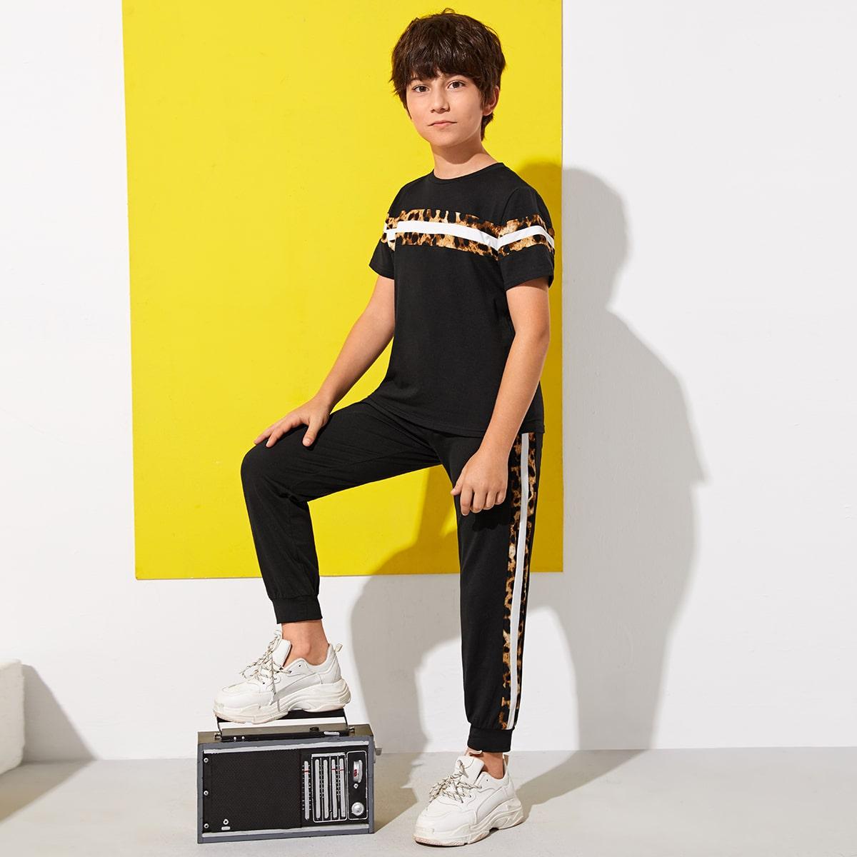 Топ и спортивные брюки для мальчиков от SHEIN
