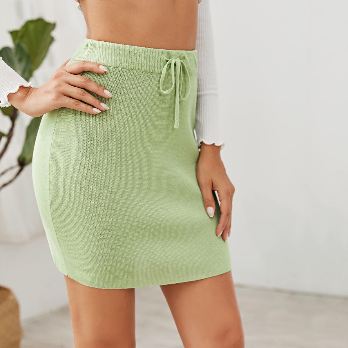 Однотонная юбка на кулиске фото