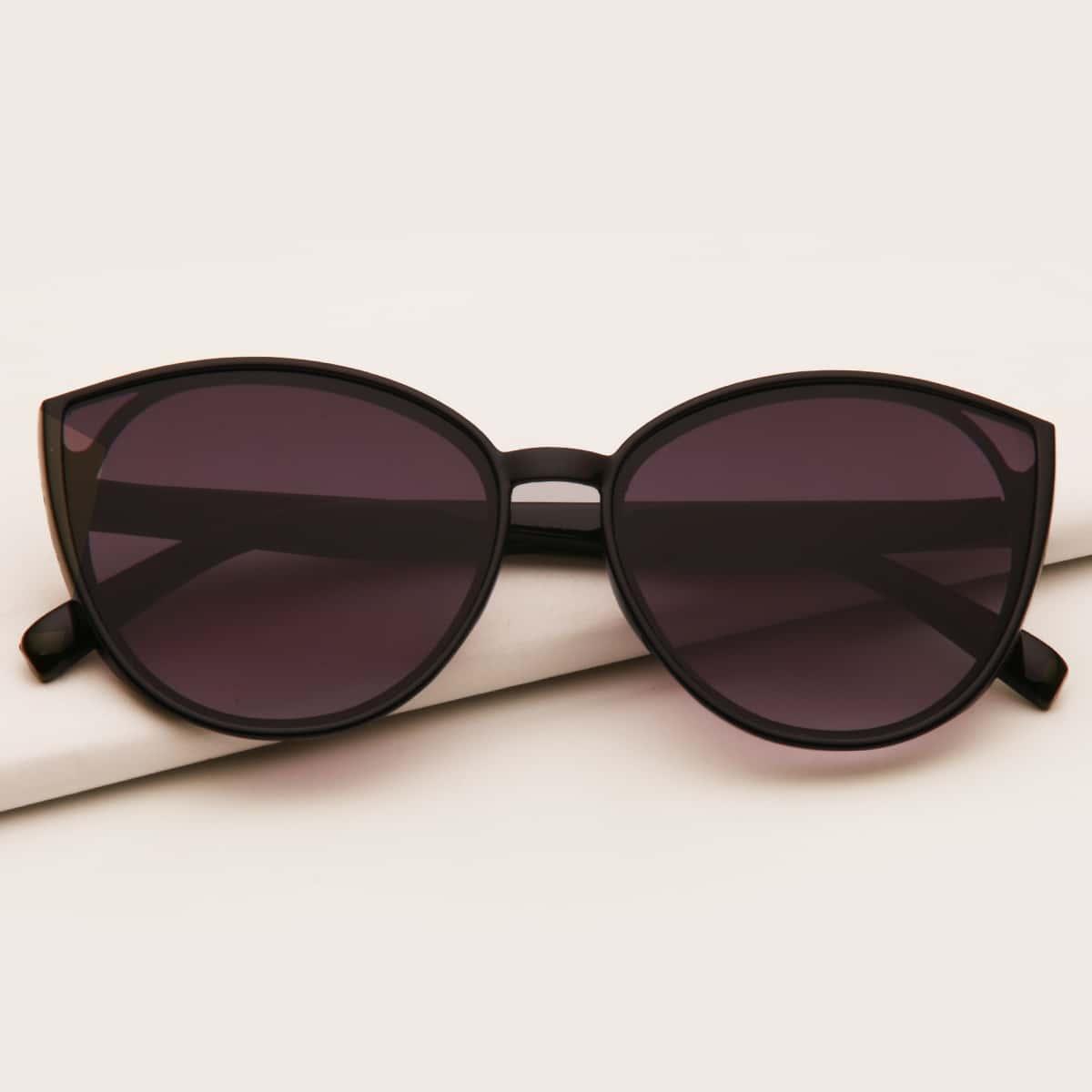 Детские солнечные очки в акриловой оправе фото