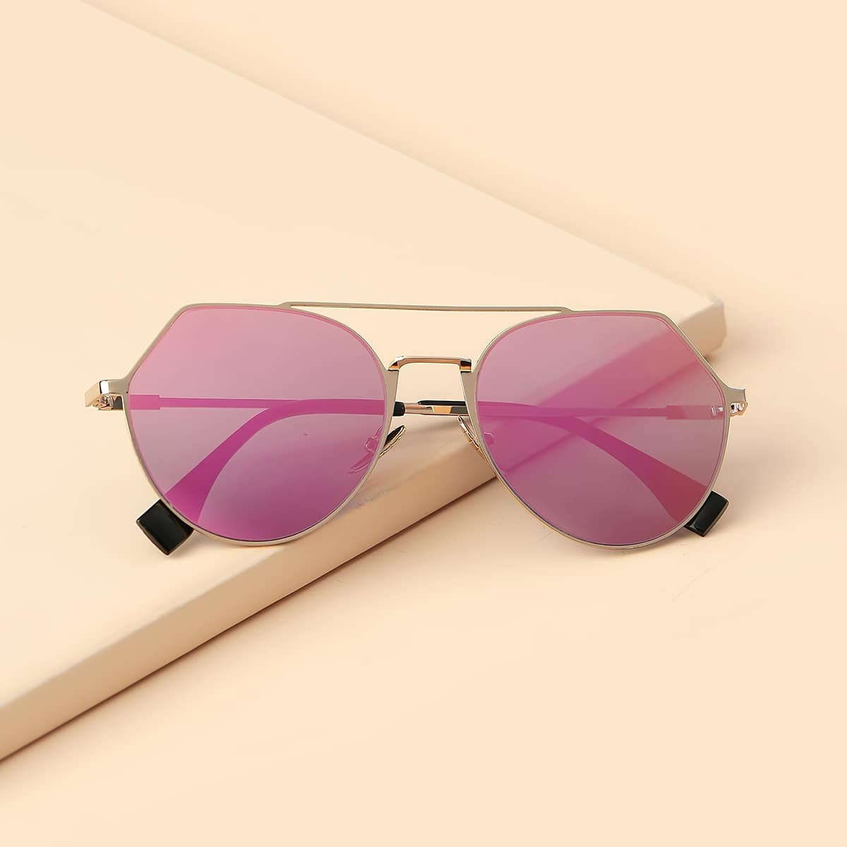 Солнечные очки фото