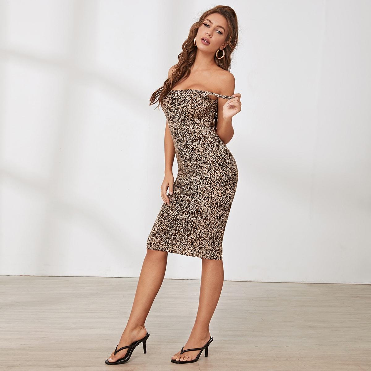 Платье-карандаш с леопардовым принтом фото