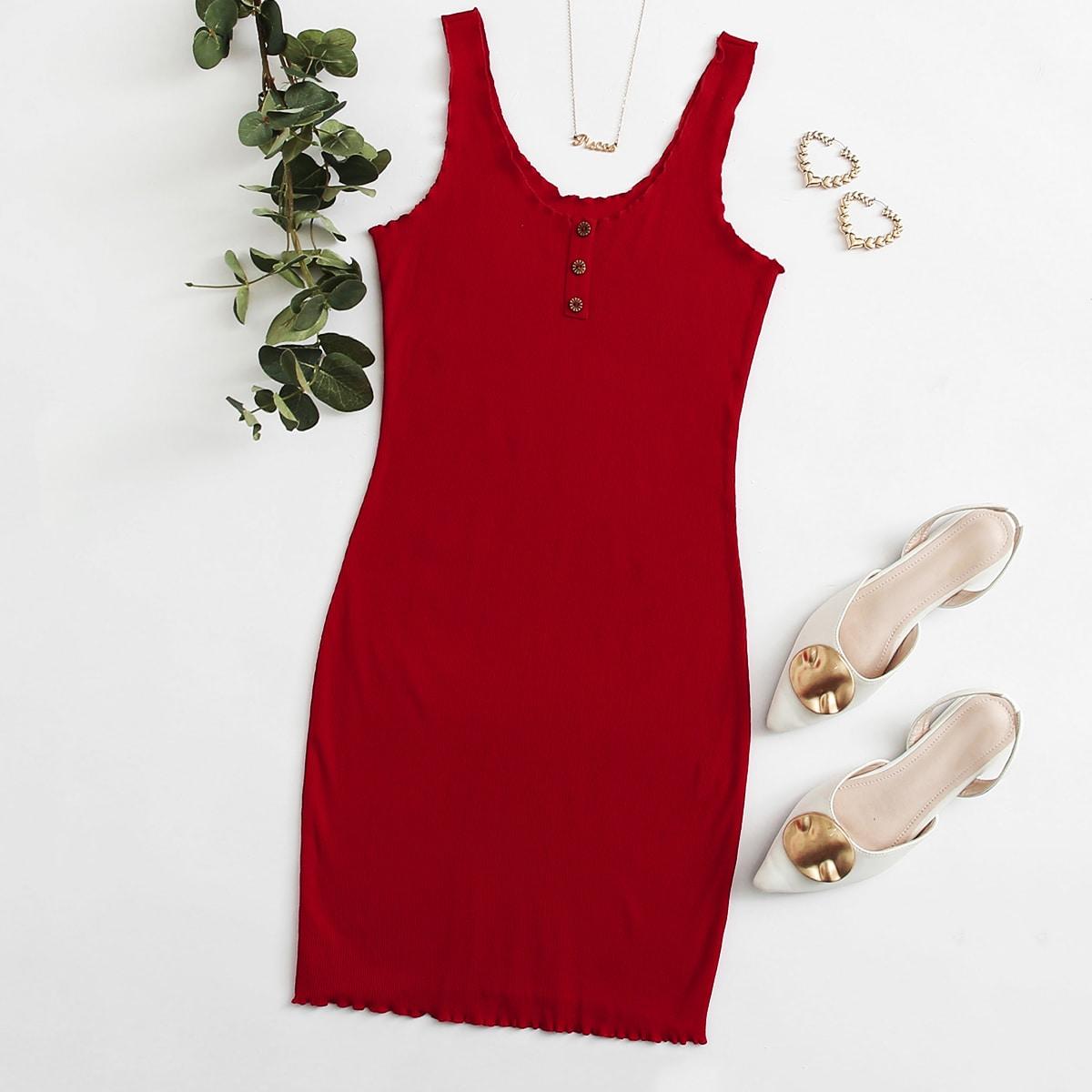 Платье с оригинальной отделкой и пуговицами фото