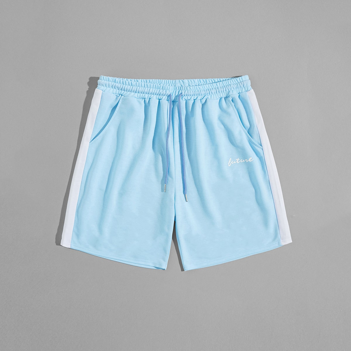Мужские контрастные шорты с текстовым принтом фото