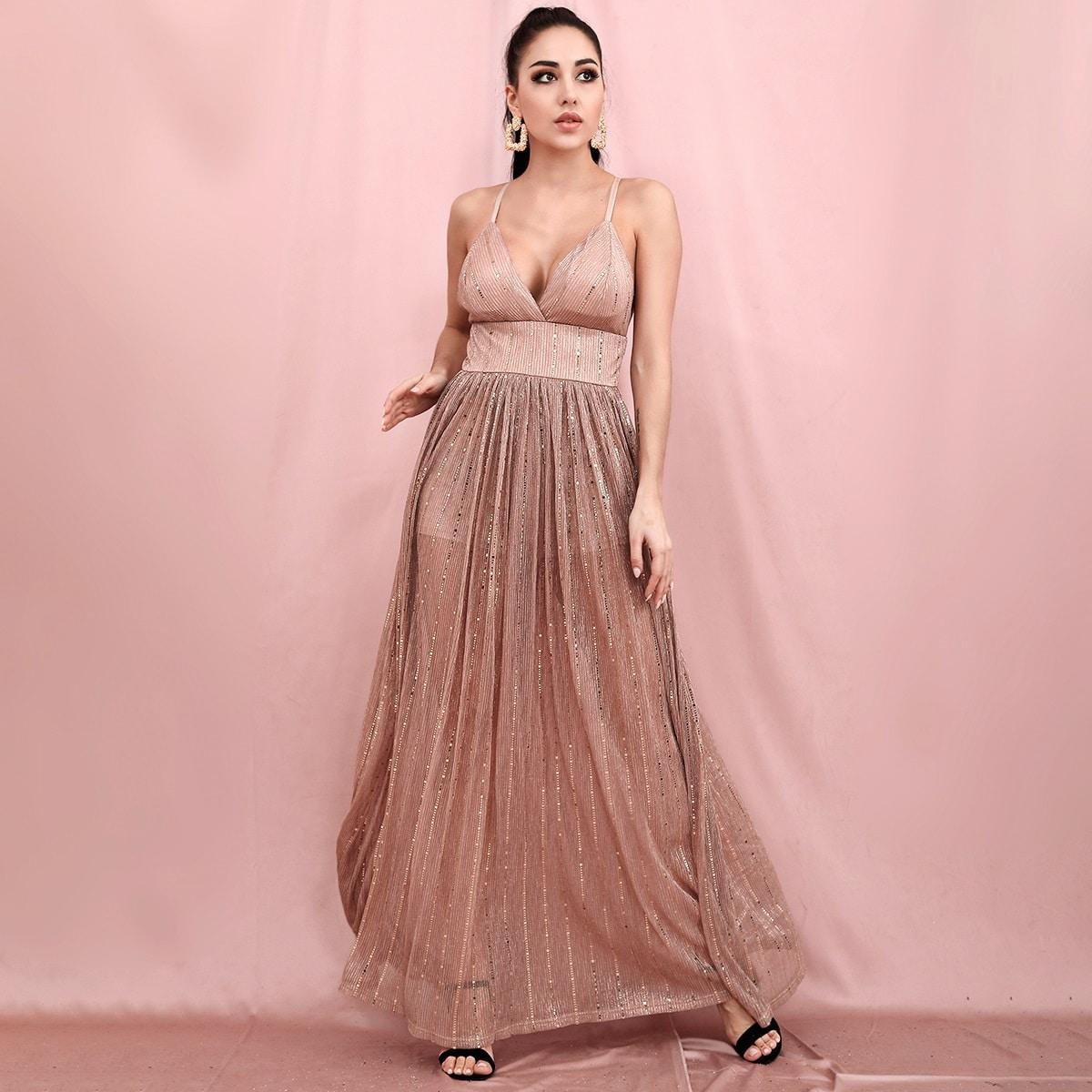 Блестящее платье на бретелях с открытой спиной фото