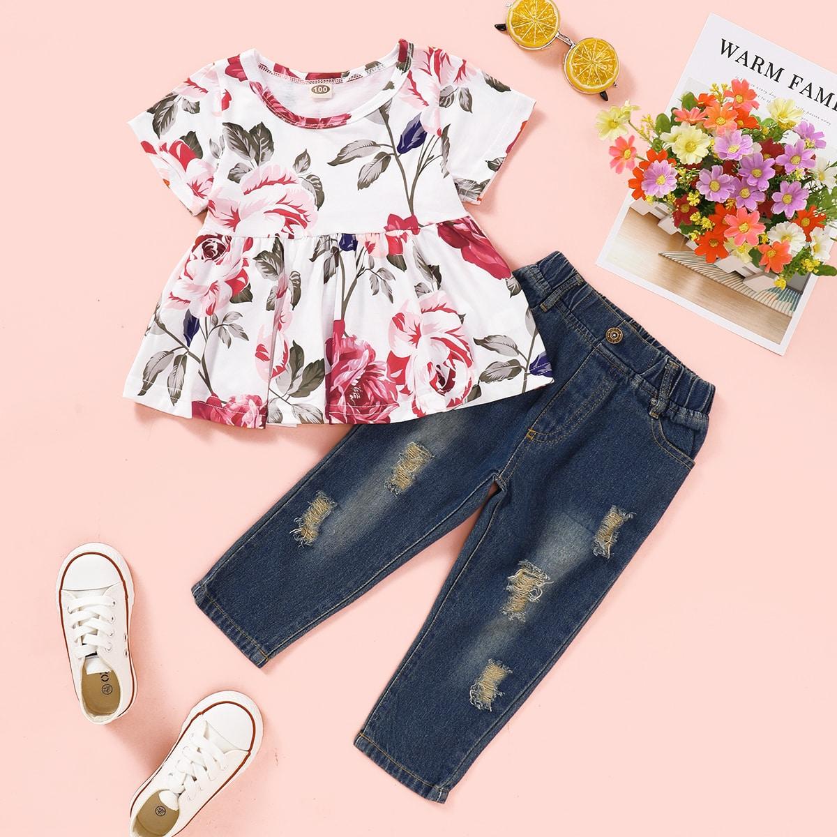 Блуза с цветочным принтом и рваные джинсы для маленьких девочек от SHEIN