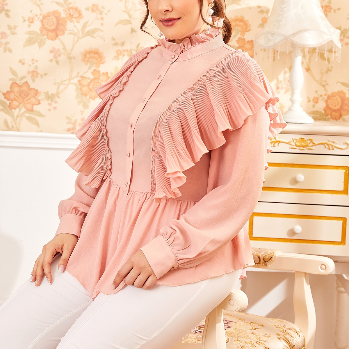 Блузка размера плюс с оборкой фото