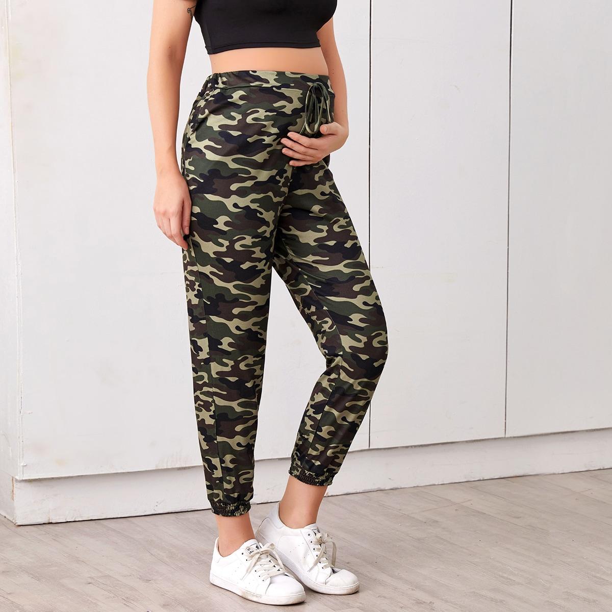 Спортивные брюки с камуфляжным принтом и узлом для беременных от SHEIN