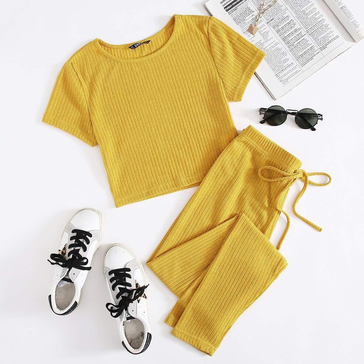 Трикотажная футболка и брюки с узлом от SHEIN