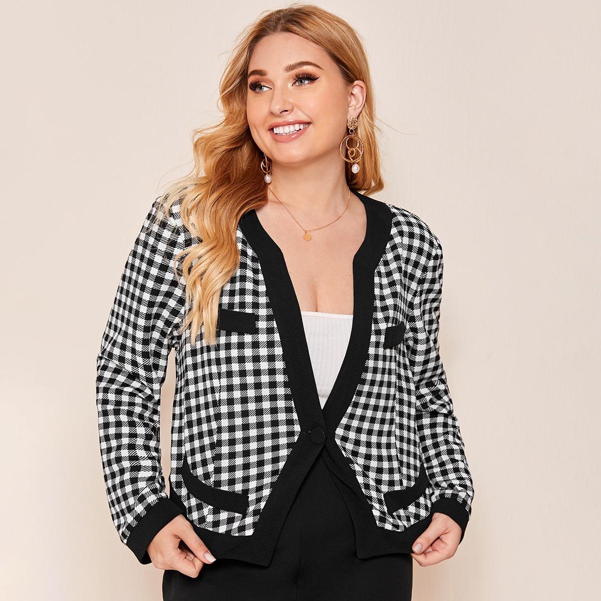 Куртка в клетку с одной пуговицей размера плюс фото