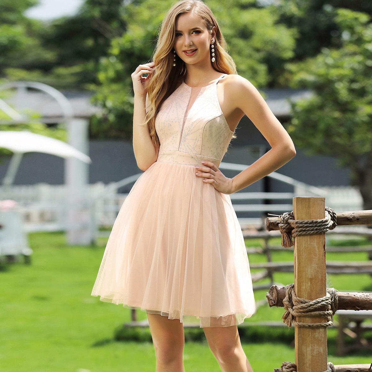 Сетчатое платье со стразами фото