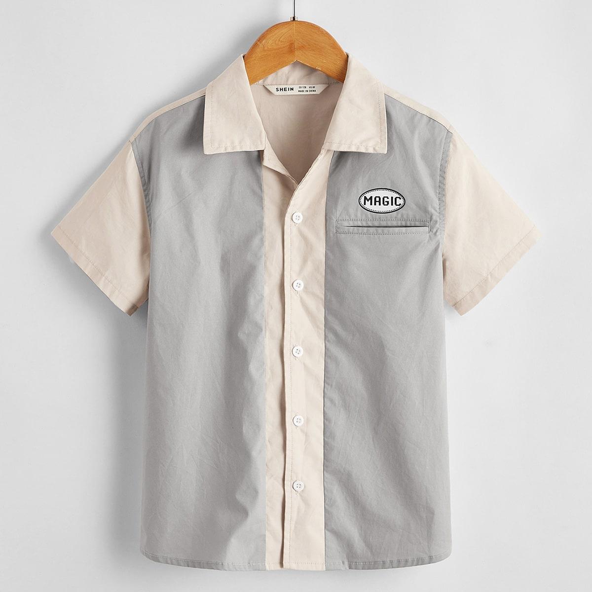 Двухцветная рубашка с текстовым принтом для мальчиков от SHEIN