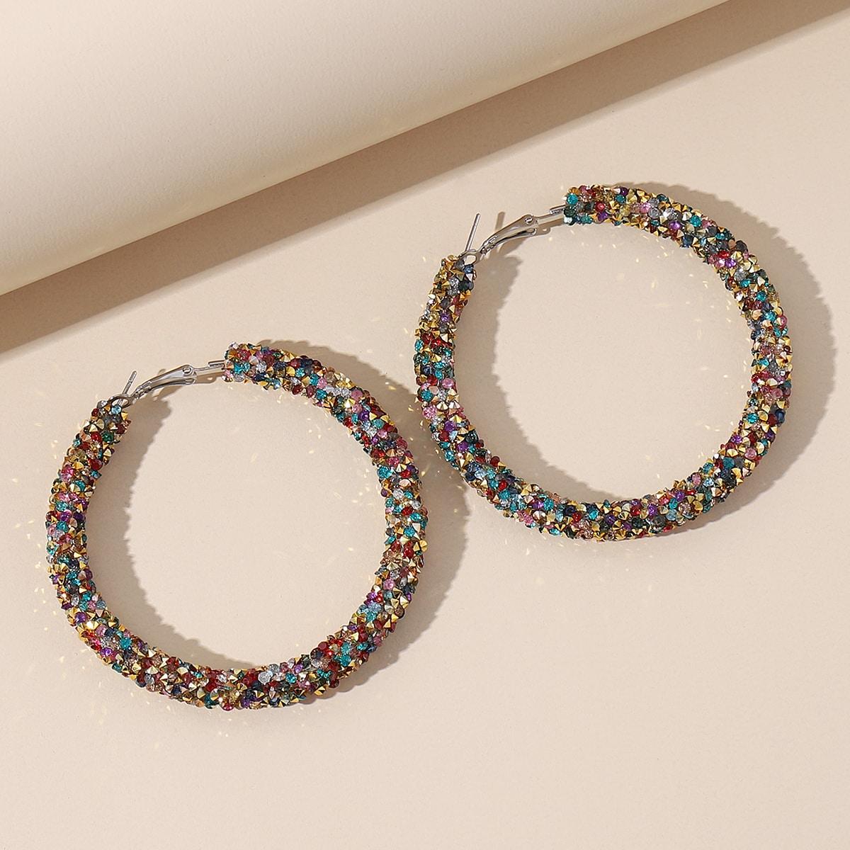 Серьги-кольца со стразами фото