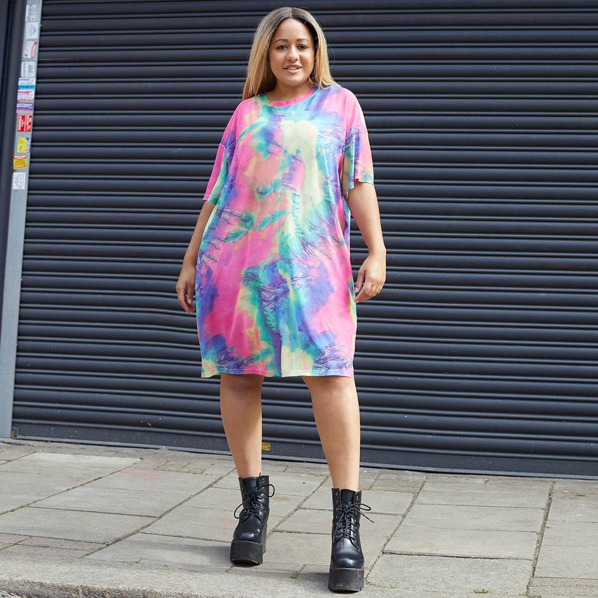Разноцветное платье-футболка размера плюс фото