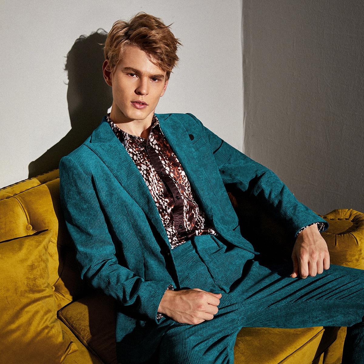 Мужской вельветовый пиджак с пуговицами