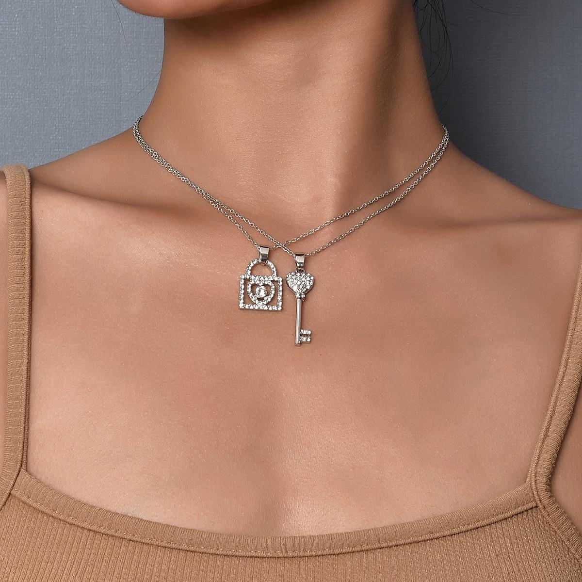 2шт ожерелье с замком, ключом и стразами фото