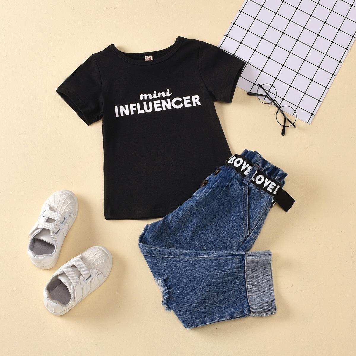 Рваные джинсы и футболка с текстовым принтом для девочек от SHEIN