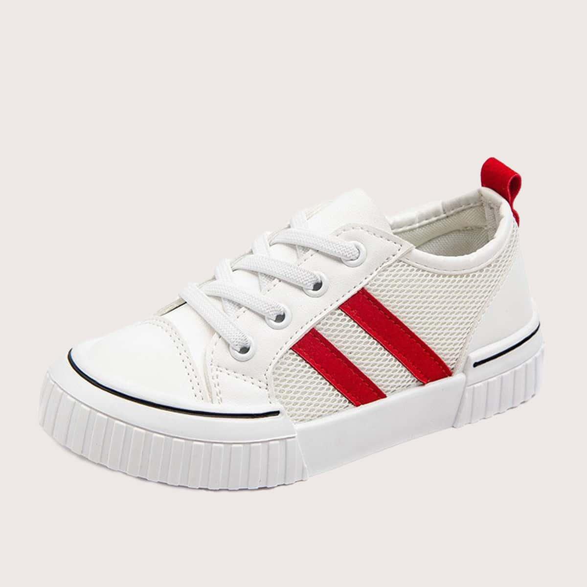 Сетчатые туфли на шнурках для мальчиков от SHEIN