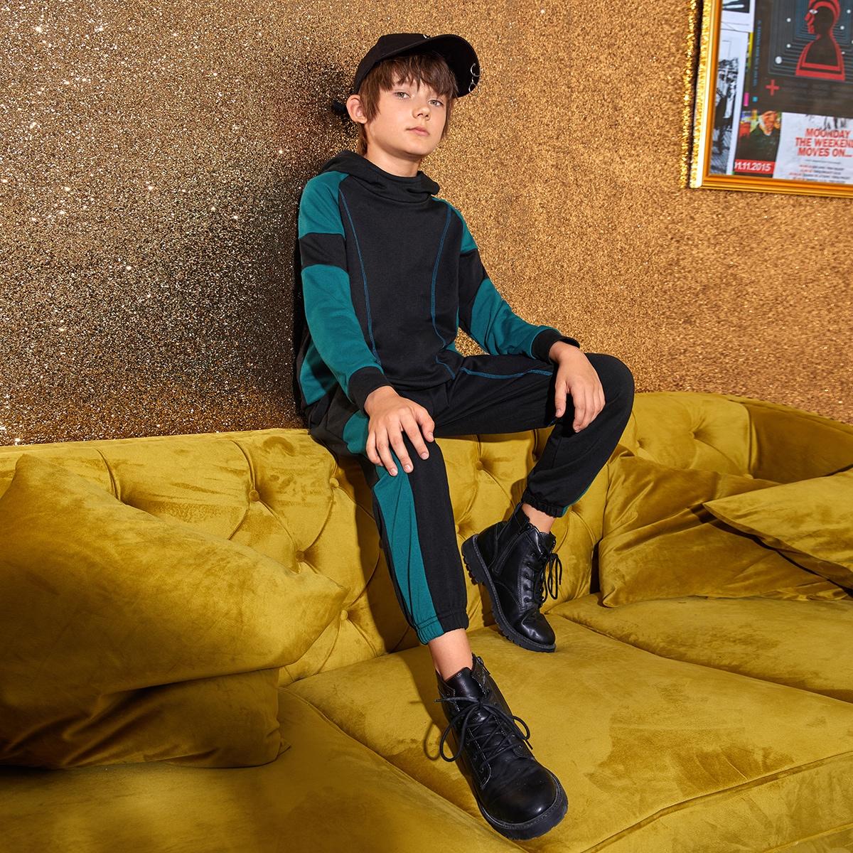 Контрастная толстовка и спортивные брюки для мальчиков от SHEIN