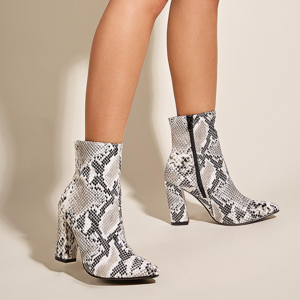 SHEIN / Stiefel mit spitzem Zehenbereich und Schlangenleder Muster