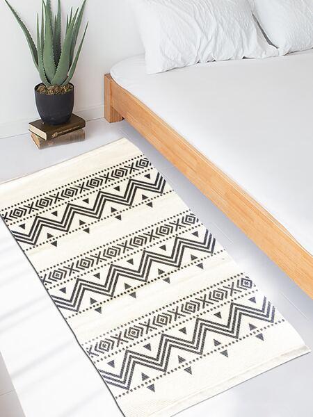 Geometric Pattern Floor Mat