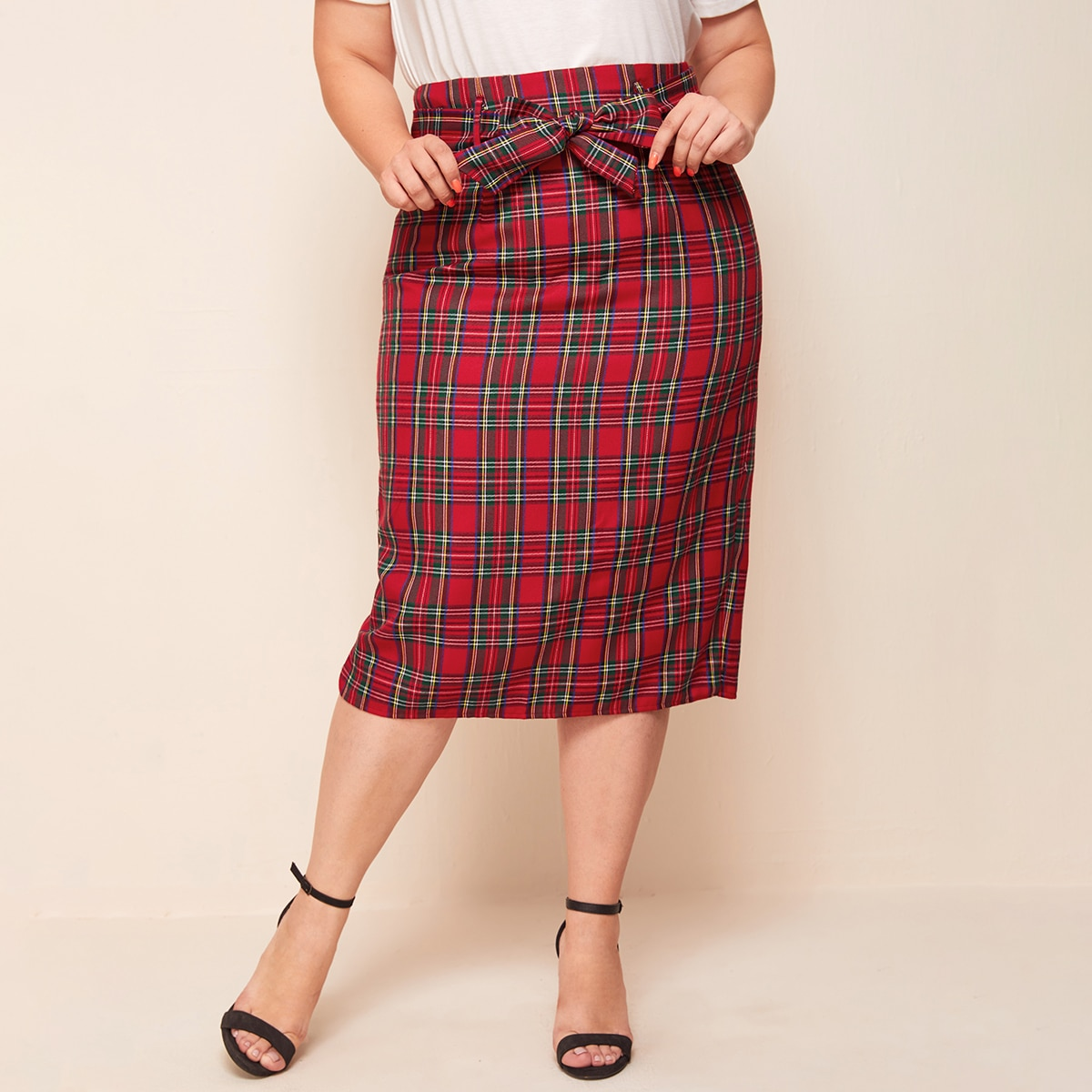 SHEIN / Plus Split Back Belted Tartan Skirt