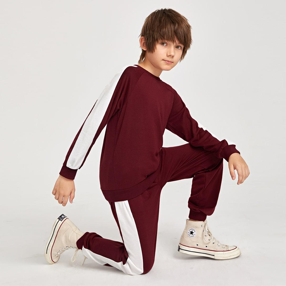 Пуловер с рукавом реглан и спортивные брюки для мальчиков от SHEIN