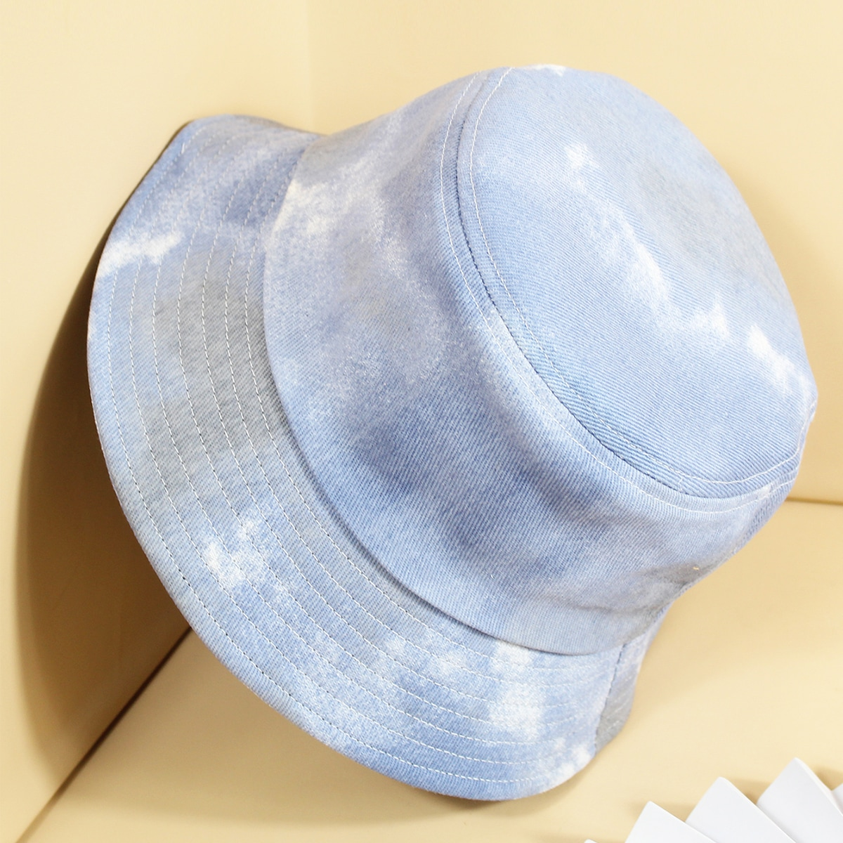 Мужская шляпа с принтом тай дай от SHEIN