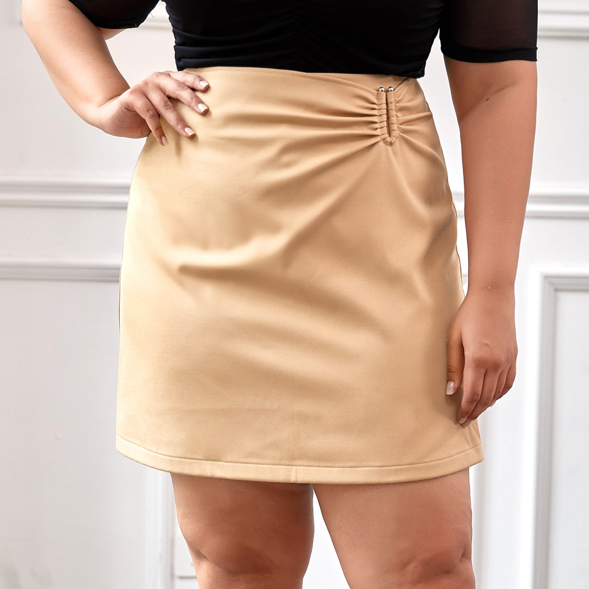 SHEIN / Plus Solid Ruched PU Leather Straight Skirt