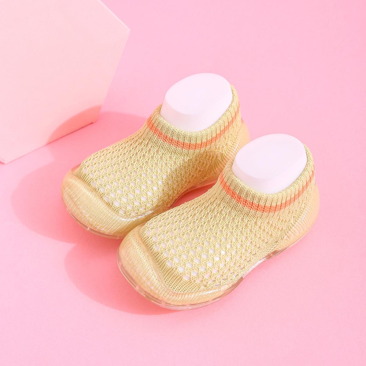 Дышащие кроссовки для мальчиков от SHEIN