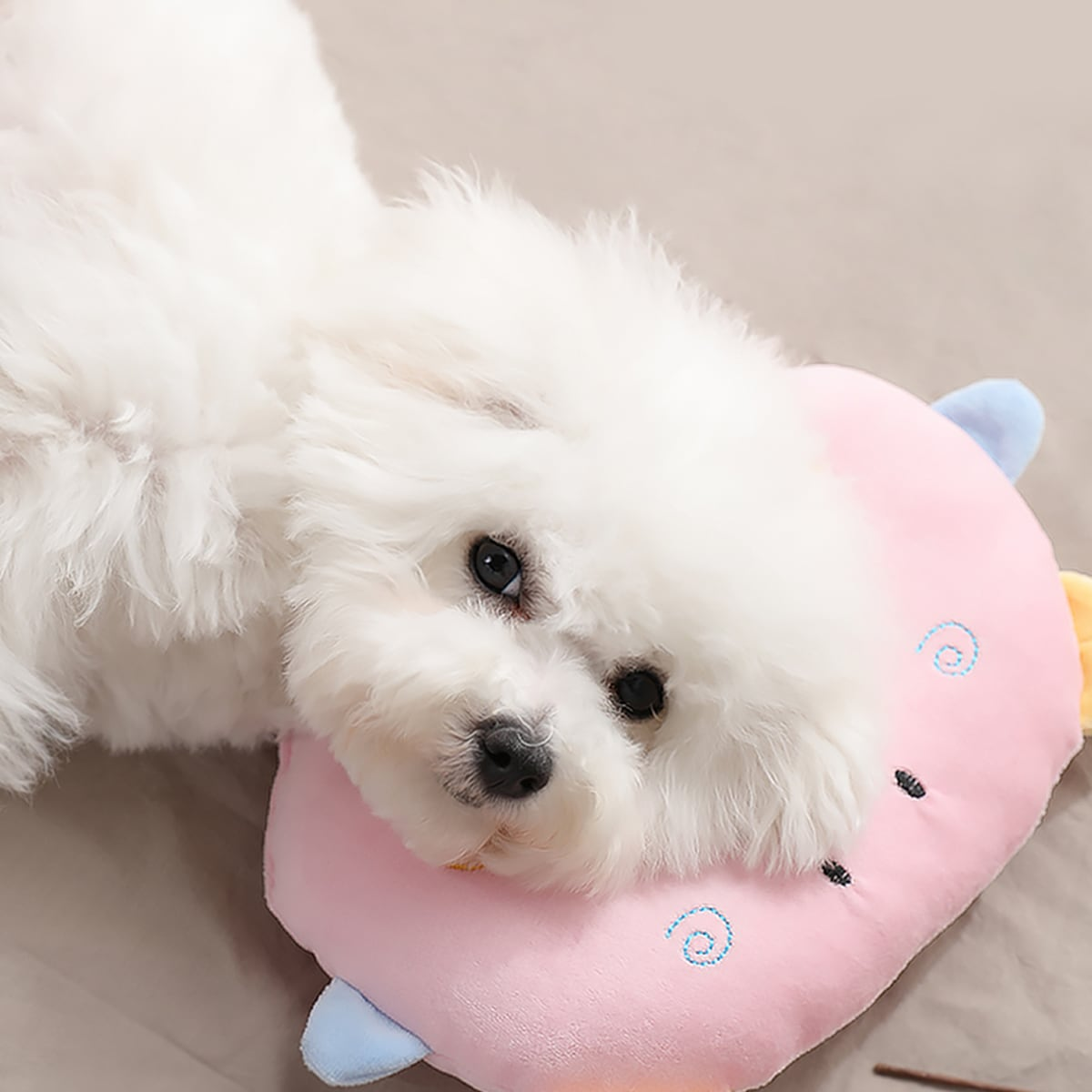 Мультипликационная подушка для собак 1шт